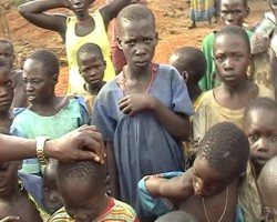 3 Aussie kids help bring some hope to 3000 Ugandan children. Click here on the photograph to see a video of camp